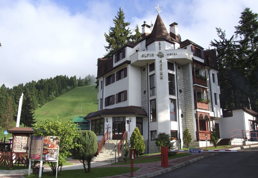 Book rooms in Hotel Alpin